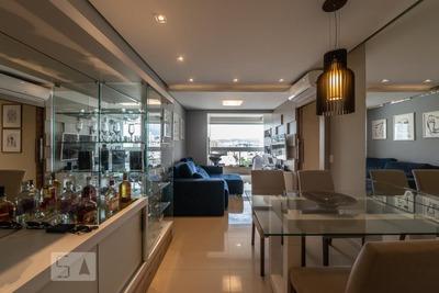 Apartamento No 8º Andar Mobiliado Com 2 Dormitórios E 2 Garagens - Id: 892911467 - 211467