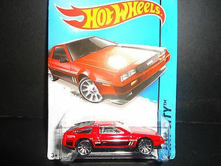 Hot Wheels Delorean Dmc 1981 Rojo 1/64