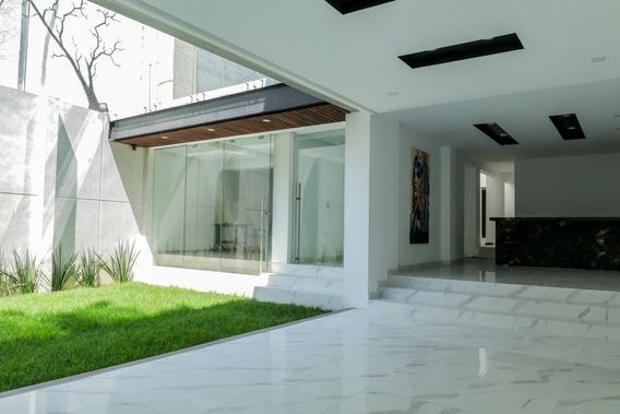 Casa Nueva En Venta Con Jardín En Lomas Anahuac - 3 Niveles