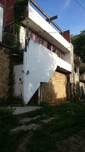 Casa En Col. La Libertad Calle Niño Artillero