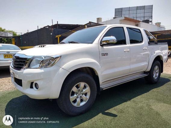 Toyota Hilux Srv Diesel Mt 4x4 2015 3.000 C.c Ful Equipo