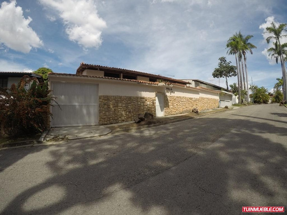 Casa En Venta En Prados Del Este Caracas 18-988