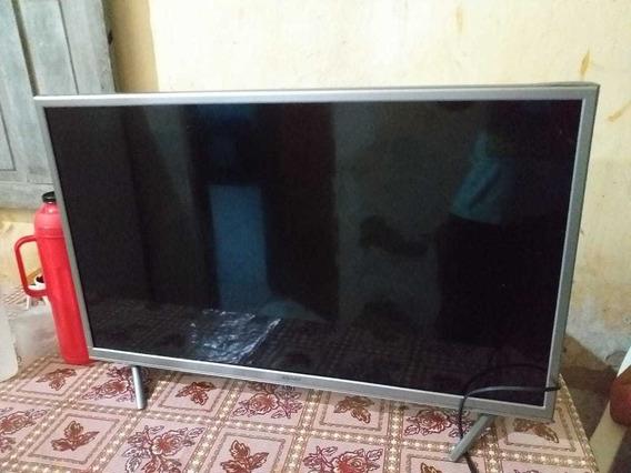 Tv Semp 32 Smart Com Tela Trincada