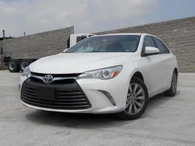 Toyota Camry Le 2016 Blanco