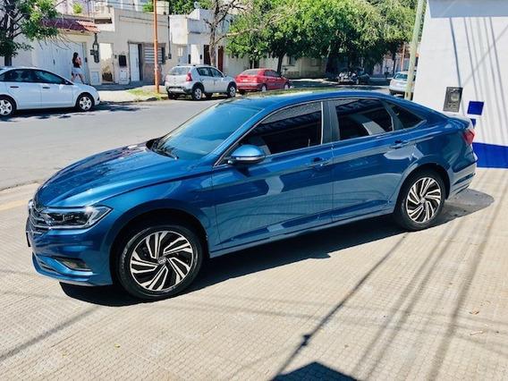 Volkswagen Nuevo Vento Highline 1.4n Km15.000 2019