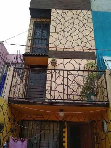 Casa De 4 Recámaras En Venta Cerca De Zona Bancos