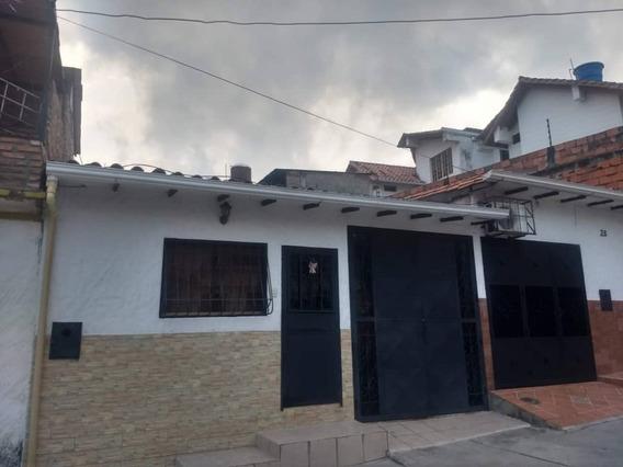 Casa En Urb. Las Tinajitas