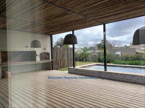 Vende Casa 4 Dormitorios Barrio Privado Altos De La Tahona