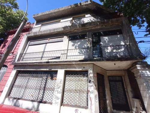 Burgues Esquina Enrique Martinez