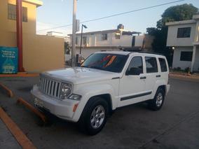Jeep Liberty 3.7 Sport 4x2 Mt 2011