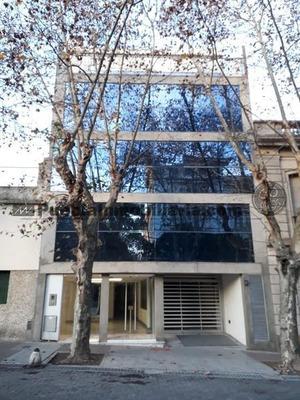 Edificio Comercial En Venta De 936 M2 Cubiertos