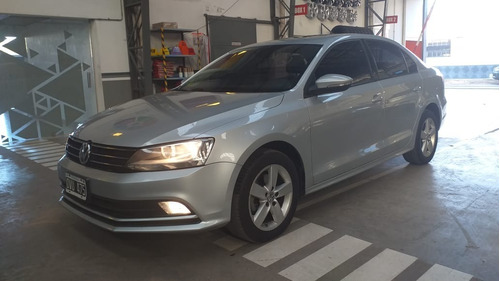 Volkswagen Vento 2.5 Advance