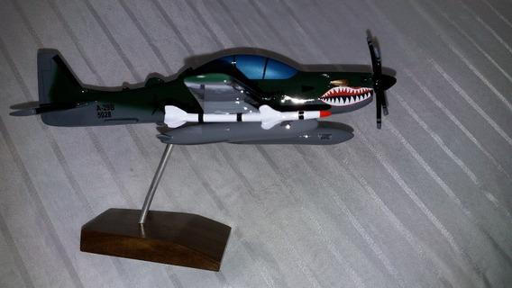 Miniatura De Avião Super Tucano Fab