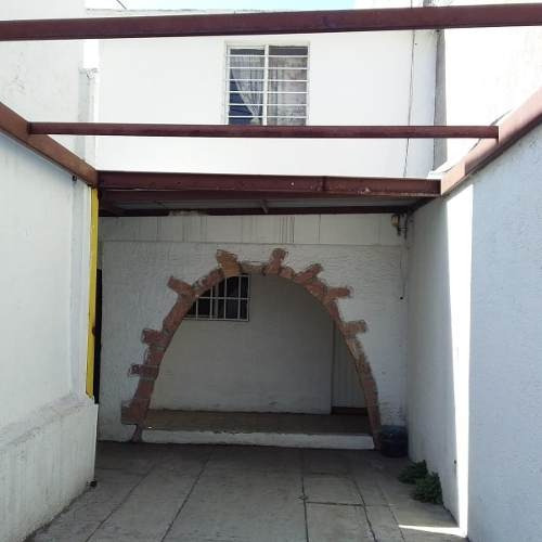 Casa Con Uso De Suelo En Renta, Vista Alegre, Queretaro. Ccr191127-ss