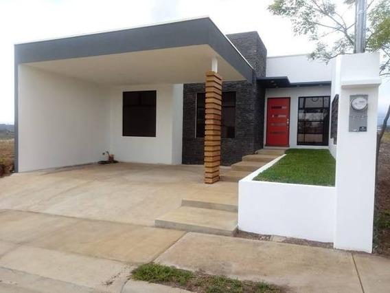 Casa Para Estrenar, Condominio Montezuma, Grecia Alajuela.