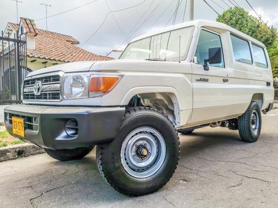 Land Cruiser 78 Mt 4.0l V6 4x4 Aa 2ab Abs Fe 11psj