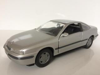 Miniatura Opel Calibra 1992 1/24 Gama