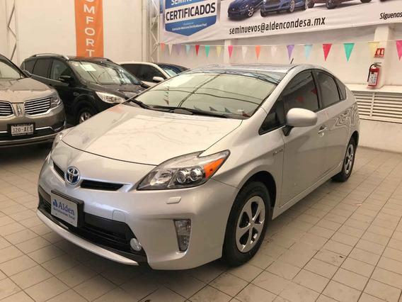 Toyota Prius 4p Premium Hibrido R16