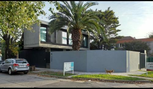 Casa Minimalista Castelar 5 Ambientes