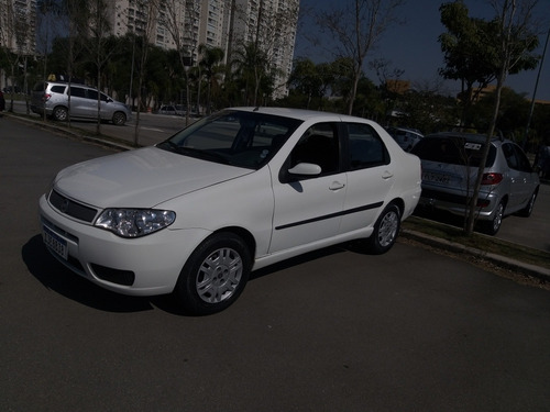 Fiat Siena 2006 1.8 Hlx Flex 4p