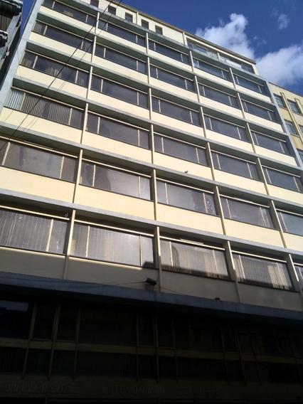 Edificio En El Centro De Bogotá