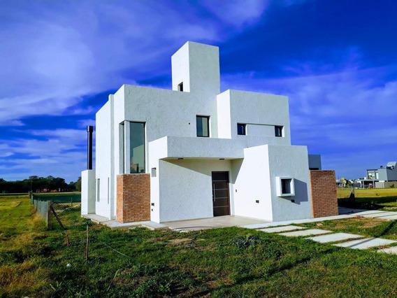 Venta - Casa Valle Del Golf A Estrenar - 2 Dormitorios