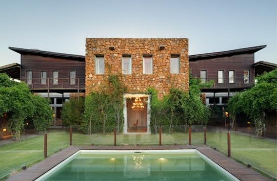 House Forsale In José Ignacio, Mansion Frente Al Mar En Venta , 6 Dormitorios.-ref:207141