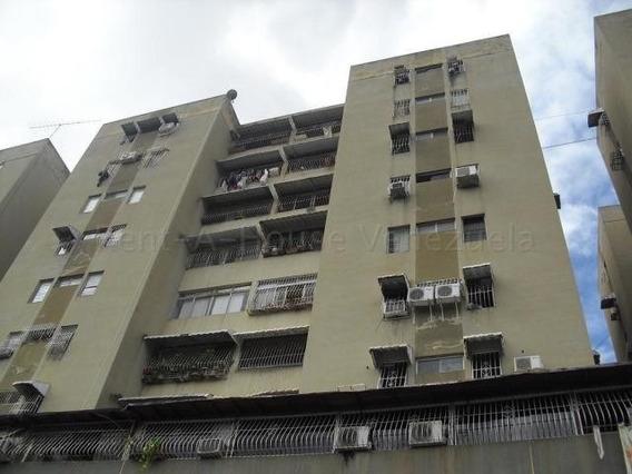 Jg 20-9131 Apartamento En Venta Centro De Charallave