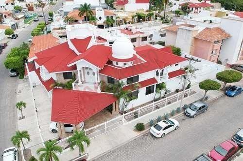 Casa De Lujo En Venta Fraccionamiento Lomas De Mazatlán