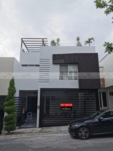 Casas En Venta En Cumbres Providencia, Monterrey, Nuevo León