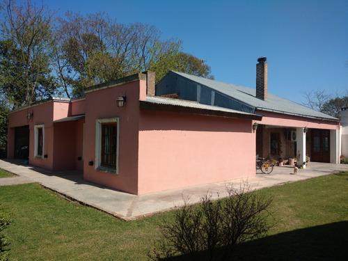 Imagen 1 de 6 de Casa Con 3 Dormitorios.