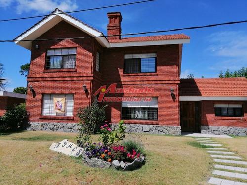Casa En Zona Cantegril- Ref: 6130