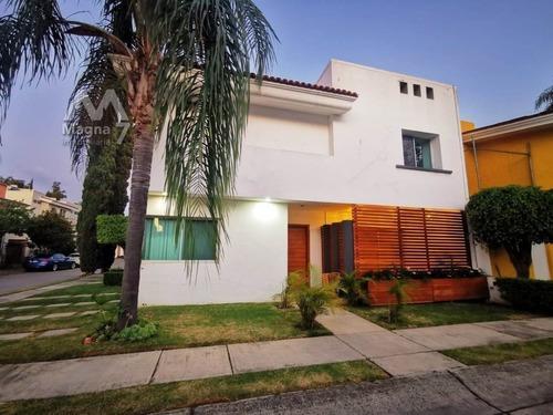 Residencia En Renta En Jardín Real - Tec De Monterrey.