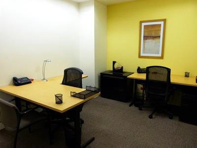 Oficina Para 3/4 Personas En Medellin, San Fernando Plaza
