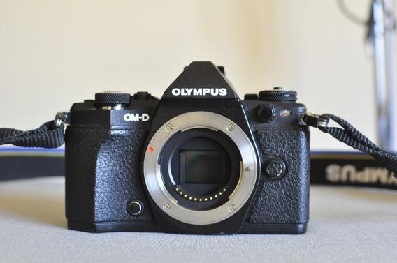 Câmera Olympus Om-d Em5 Mark Ii E Mais 4 Baterias