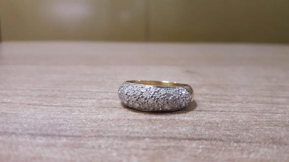 Anel Com Diamantes Em Ouro Amarelo 18k.