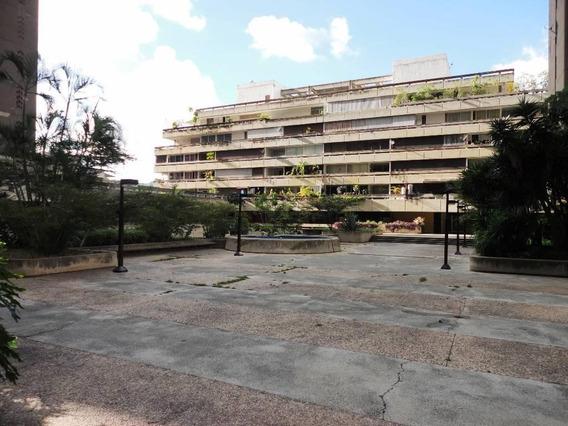 Apartamento En Venta Prados Del Este Rah: 17-13429