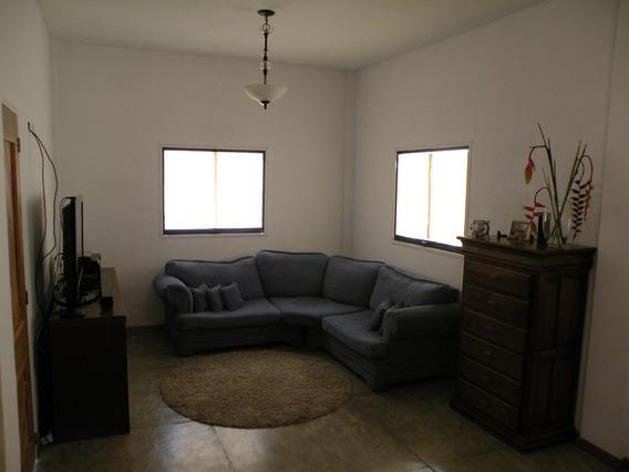 Casas En Venta Cabudare 20-20350 Rg