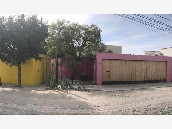 Casa En Venta En Colinas Del Bosque Estilo Mexicano 1,080m2