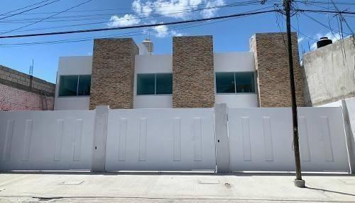 Casa En Venta En Colonia Tres Cruces
