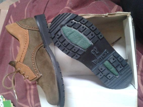 Zapatos Niño N* 24.