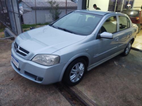 Imagem 1 de 9 de Chevrolet Astra Sedan 2005 2.0 Elegance Flex Power 4p