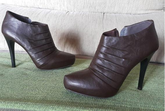 Bota De Cano Curto   Boot   Via Uno   Marrom