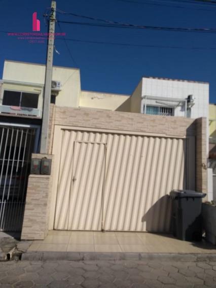Casa A Venda No Bairro Ingleses Do Rio Vermelho Em - C594-1
