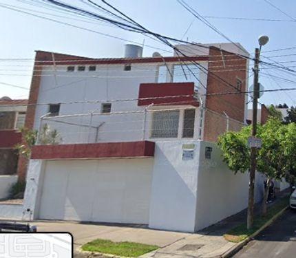 Casa En Venta En Residencial Chapalita