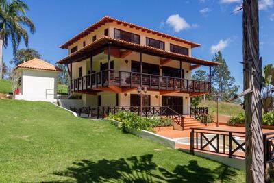 Venta Casa De Tres Niveles En Jarabacoa
