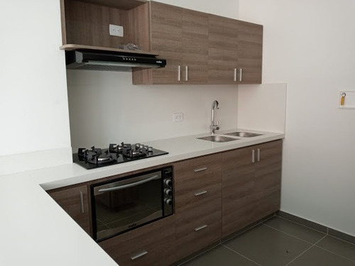 Apartamento En Arriendo Loma Del Escobero 472-2191