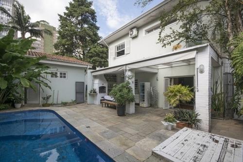 Vende-se Casa De Alto Padrão - 2147