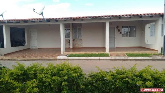 Casas En Venta En Urbanizacion Las Gardenias