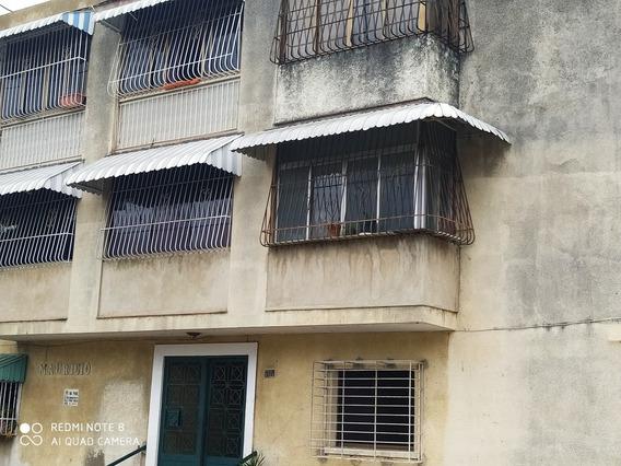 Apartamento Una Hab Un Baño 56 Mts2